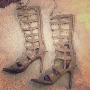✨ Shimmer Gold Gladiator Lace Up Heels Size 8 ✨